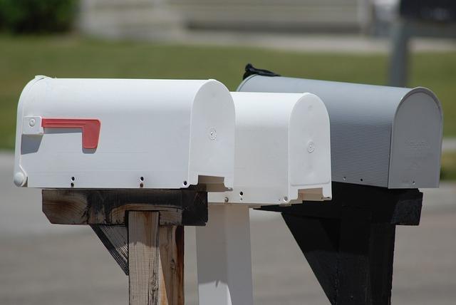 mailbox landing